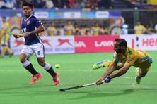 A Hockey India League match between Dabang Mumbai (blue) and Punjab Warriors in Mumbai on 24 January. Photo: PTI