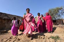 Sampat Pal came into limelight after she formed the Gulabi Gang, which started off at the turn of the millennium as a group of women in the villages of Bundelkhand who would stand up against gender violence—whether domestic violence or sexual assault. Photo: HT