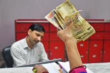Currently, even if a worker accumulates more than Rs10 lakh as gratuity contribution, he or she is allowed to withdraw only Rs10 lakh. Photo: Bloomberg
