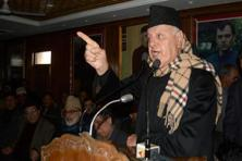 National Conference president and former Union minister Farooq Abdullah addressing a party workers meeting organised to commemorate the 2nd death anniversary of Sheikh Nazir Ahmad in Srinagar on Friday. Photo: PTI