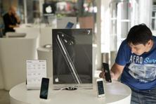 The iPhone is becoming a tried-and-true model that matches customer needs. Photo: Bloomberg