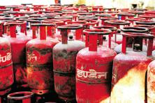 Free gas connections coupled with at least two other government programs have taken India's active liquefied petroleum gas (LPG) user count to about 200 million, about 60% more than Japan's entire population. Photo: Ramesh Pathania/Mint