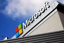 Even as some non-cloud businesses underperformed, the company posted another quarter of brisk demand for internet-based versions of Office software and its Azure service for running and storing customers' data and applications. Photo: Reuters
