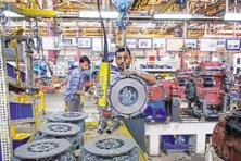 Data released by the Central Statistics Office (CSO) showed that IIP grew 2.7% in March under the new series against 2.5% under the old series. Photo: Mint