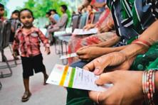 Trai had received a representation from the Internet Service Providers Association of India to extend Aadhaar-based eKYC authentication to ISPs for broadband and internet connections . Photo: Mint