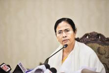 West Bengal chief minister Mamata Banerjee  said she will request the centre not to interfere with the state's matter and destroy the federal structure. Photo: PTI