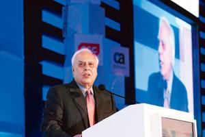 Message to investors: IT minister Kapil Sibal. By Hemant Mishra/Mint