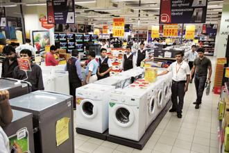 The overall retail sector will grow 9% in 2012-16, with organized retail growing at 24% or three times the pace of traditional retail, which is expected to expand at 8%, according to the Booz & Co and RAI February study. Photo: Pradeep Gaur/Mint