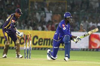 Kolkata Knight Riders and Rajasthan Royals during an IPL6 match in Jaipur. Photo: Manvender Vashist/PTI