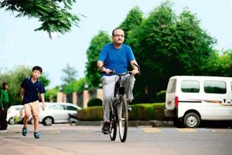 Vibhor Gupta, who opted for cardiac rehabilitation programme, has taken to cycling to stay heart-healthy. Photo: Pradeep Gaur/Mint