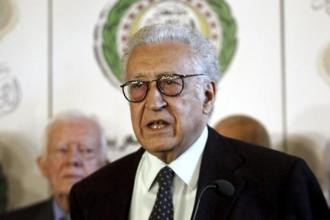 Syrian govt and opposition delegations held their first meeting in the presence of international mediator Lakhdar Brahimi on Saturday. Photo: Reuters