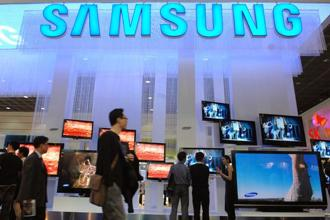 Market leader Samsung has a more than 30% share. Photo: Bloomberg