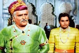 Kapoor (left) and Kumar in 'Mughal-E-Azam'.