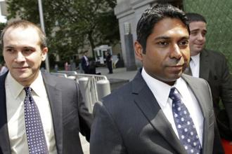 In a joint letter filed in Manhattan federal court, lawyers for both parties asked US district judge to keep the regulator's insider trading case on hold while they discuss resolving the pending litigation. Photo: Bloomberg