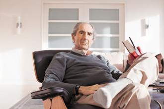 Philip Roth, one of hundreds of writers, including Nobel laureates, taking on Amazon over its fight with Hachette over pricing for e-books. Photo: Fred R. Conrad/The New York Times