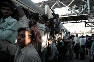 A local train in Mumbai. The internal migration phenomenon is little studied, particularly from a remittances point of view. Photo: Mint