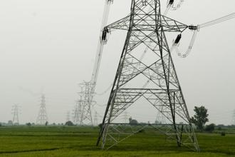 The private power firms, which had participated in the first round of bidding for both the projects, withdrew their bids citing difficulties in securing finances for these projects. Photo: Mint