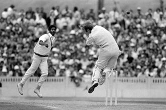 Michael Holding (left) hurls a bouncer at England's Derek Underwood in the 1976 Test. Photo: Patrick Eagar