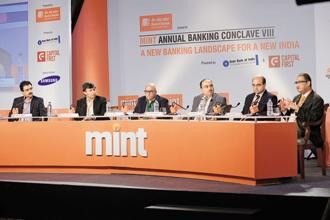 (Left to right) Salil Khanna, Ajay Kaushal, Leslie D'Monte, Shiv Kumar Bhasin, Anand Bajaj and Alok Shende during 'Role of Technology in Banking' at the Mint annual banking conclave 2015 in Mumbai on 29 January 2015. Photo: Abhijit Bhatlekar/Mint