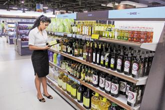 While some companies have started to increase olive oil prices, the extent of the increase in international prices has meant that consumer prices will have to be increased in gradual steps. Photo: Hindustan Times