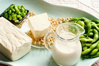 Too much soy may increase a person's risk of hypo-thyroidism. Photographs by iStockphoto