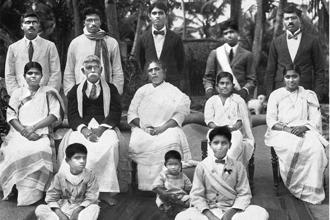 K.C. Mammen Mappillai (second row) with his family in Kuppapuram in 1924.