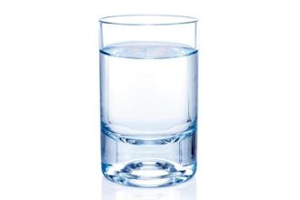 One sure-shot way to reduce the risk of kidney stones is to drink water throughout the day. Photographs: iStockphoto