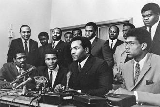 African-American athletes at a meeting in 1967 to show support for Muhammad Ali's refusal to fight in Vietnam. Photo: Robert Abbott Sengstacke/Getty Images