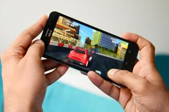 Going by the current specifications and the resulting user experience, smartphones costing as low as <span class='WebRupee'>Rs.</span>10,000 are able to handle the latest games for the Android platform.