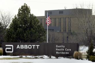 Johnson & Johnson agreed to buy Abbott Laboratories' eye-surgery equipment unit for $4.33 billion. Photo: Bloomberg