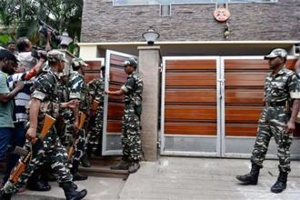 CRPF personnel being deployed outside the the residence of Tamil Nadu Chief Secretary P. Rama Mohana Rao who had come under I-T scanner in Chennai on Wednesday. Photo: PTI