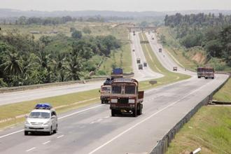 Under the TOT model, NHAI plans to lease 75 operational national highway projects, which are generating toll revenues for at least 2 years. Photo: Aniruddha Chowdhury/Mint