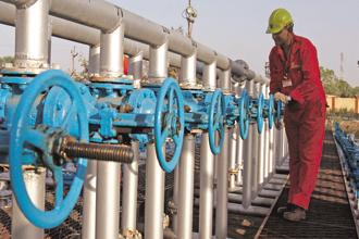 ONGC's decision is in line with the government's idea of public investments taking the lead in stimulating the economy. Photo: Reuters