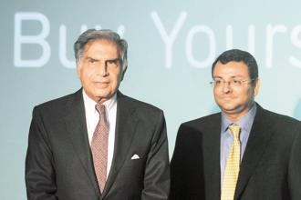 Ratan Tata (left) and Cyrus Mistry. The Mistry family firms own 18.4% of ordinary shares in Tata Sons, less than the shareholding needed to block a special resolution, which requires 75% support. Photo: AFP
