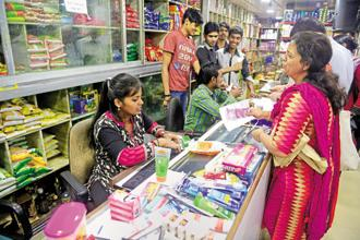 The liquidity squeeze after demonetisation forced many people to report to digital payments, but RBI data shows people have not really embraced the new channels. Photo: Abhijit Bhatlekar/Mint