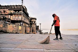 A file photo of Assi Ghat. The Uttar Pradesh government has imposed heavy fines for spitting, littering on Varanasi ghats. Photo: Priyanka Parashar/Mint