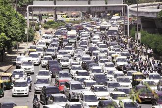 Several car and two-wheeler makers and automobile industry body Siam had told Supreme Court that around 800,000 BS III vehicles are being held in inventory. Photo: HT