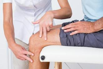 Knee pain is a common problem in today's sedentary world. Photo: iStockphoto