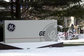 GE lighting business's reported potential sale price of about $500 million amounts to just 0.2% of it's current market value. Photo: Bloomberg