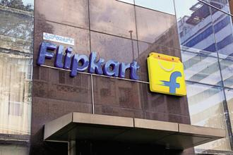 One oft-heard argument is that by buying everyone else, Flipkart will acquire such scale that it will either be able to survive standalone or force either Alibaba or Amazon to buy it. Photo: Hemant Mishra/Mint
