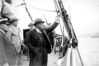 Ernest Shackleton as he embarks on the Shackleton-Rault Expedition to the Antarctic in 1921. Photo: Topical Press Agency/Getty Images