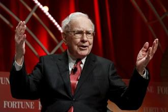 Warren Buffett and vice-chairman Charlie Munger, 93, will answer five hours of questions at Saturday's annual meeting. Photo: Reuters