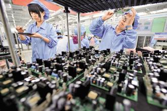 File photo. Chinese electronics factories are trying to adapt as Donald Trump targets the US trade balance with China and competition rises from plants in Southeast Asia with cheaper labour. Photo: Reuters
