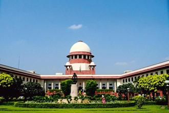 The Supreme Court has decided to hear the triple talaq petitions during the summer vacation. Photo: Mint