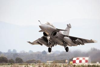 Under the strategic partnership model for defence manufacturing, the govt will shortlist Indian firms for defence JVs with foreign firms to supply fighter jets, helicopters, armoured vehicles and submarines. Photo: Mint