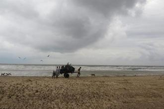Cyclone Mora made landfall on the coast between Cox's Bazar and the main port city of Chittagong at 6:00am on Tuesday, says the Bangladesh Meteorological Department. AFP