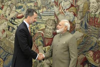 Narendra Modi, the first Indian prime minister to visit Spain since 1992, meets Spain's King Felipe VI at the Zarzuela Palace in Madrid on Wednesday. Photo: AP/PTI