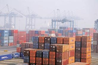 The govt unveiled its 1st foreign trade policy for 2015-2020 in April, setting a merchandise, services export target of $900 bn by 2020, almost double the $465.9 billion achieved in 2013-14. Photo: Mint