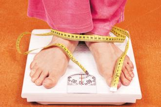 The latest survey shows that the proportion of overweight women in India at 20.7% is only 2 percentage points lower than the proportion of underweight women. Photo: iStockphoto