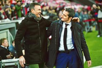 Luis Enrique (left) with Ernesto Valverde during a Copa del Rey match in January. Photo: AP